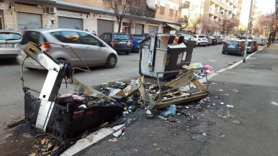 """Roma, fermato piromane dei cassonetti: """"Fuori da Roma per tre anni"""""""