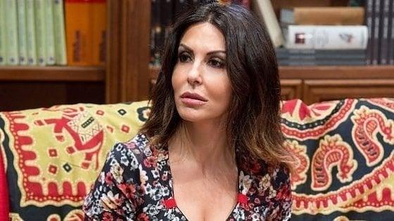 Stalking, perseguitava Sabrina Ferilli: divieto di avvicinamento