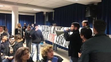 Blitz in una scuola di Blocco Studentesco interrotta lezione dell'Anpi sulle foibe   video