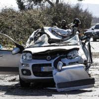 Guidonia, albero crolla su un'auto: muore quarantacinquenne