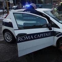 Roma, ciclista muore investito da un'auto a Tor Vergata