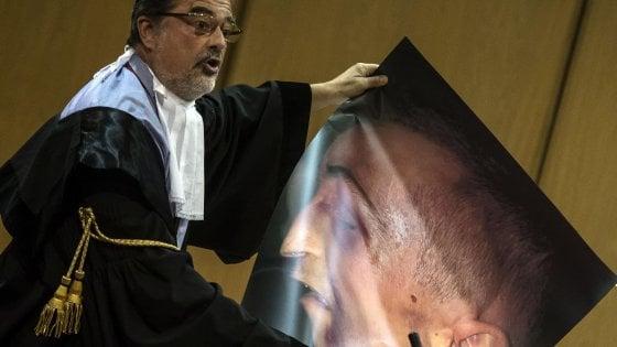 """Caso Cucchi, il pm al processo: """"I carabinieri avevano una relazione segreta precendente all'autopsia"""""""