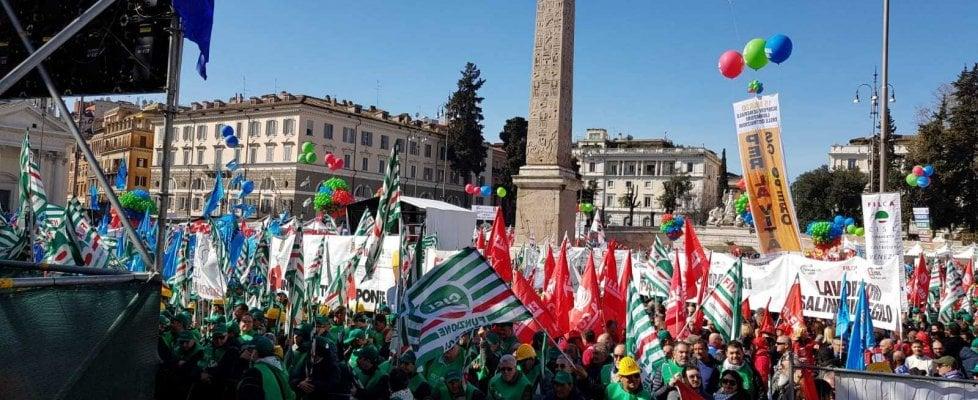 """Roma, gli edili in piazza: """"Sbloccate le grandi opere ferme da 20 anni"""""""