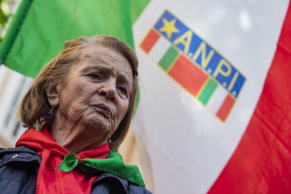 Muore Tina Costa, 93 anni, partigiana e fino all'ultimo testimone antifascista: venerdì a Roma la camera ardente