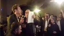 """Jude Law scatenato: """"Tu vuo' fa l'americano""""    video"""