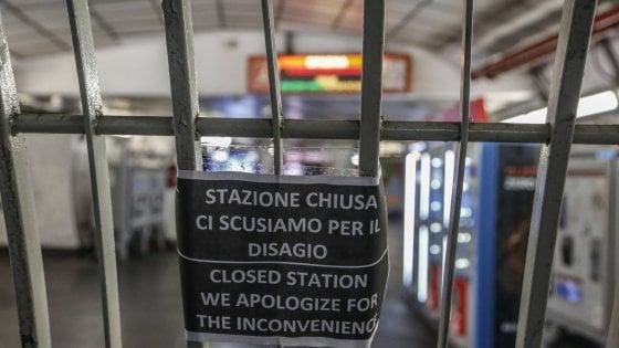 """Metro A, stazioni Spagna e Barberini ancora chiuse. Centro """"isolato"""" anche nel giorno della domenica green"""