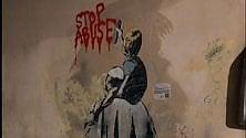 """Murale """"Stop abuse""""  Tv-Boy: """"E' l'unico non censurato"""""""