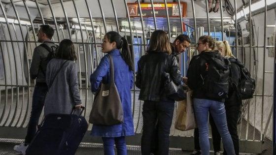 Roma, la metro non arriva in centro: Atac se la prende con i tecnici