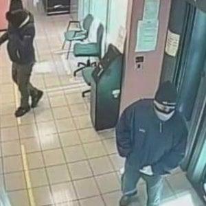 Roma, rapinarono 85mila euro in banca a Ostia: tre arresti. C'è anche guardia giurata