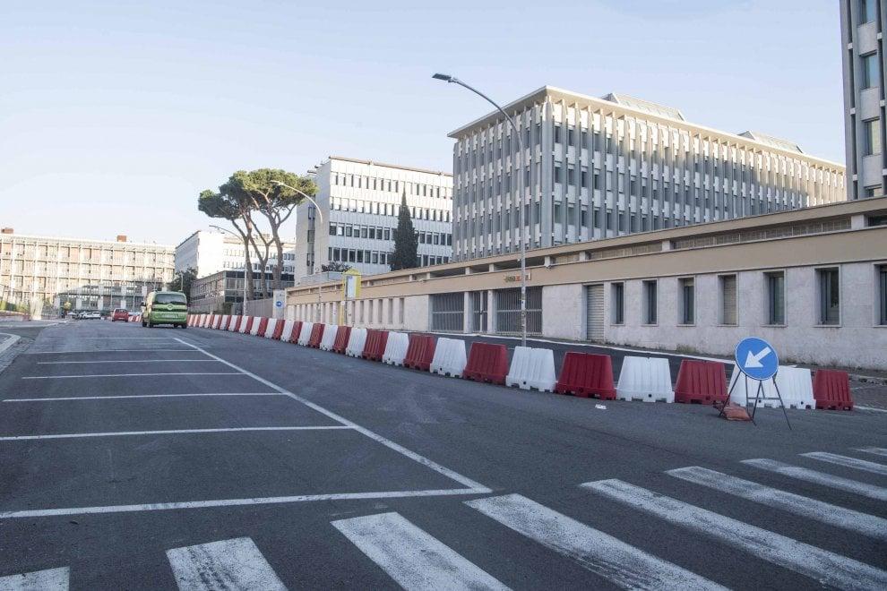 Roma, colata di asfalto all'Eur per la Formula E