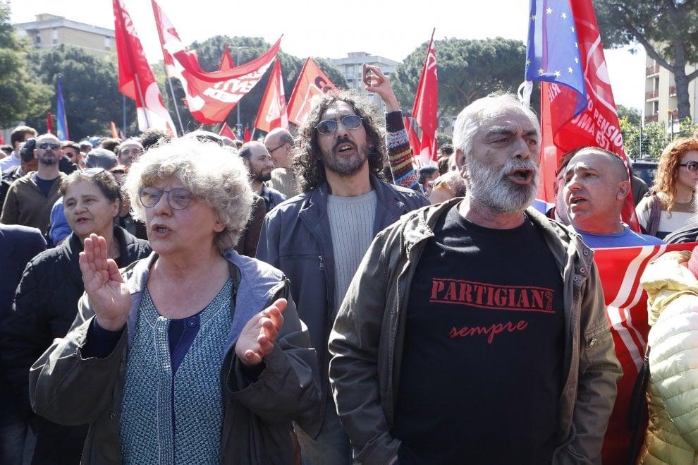 """""""Non me sta bene che no"""", a Torre Maura il presidio antirazzista e antifascista"""