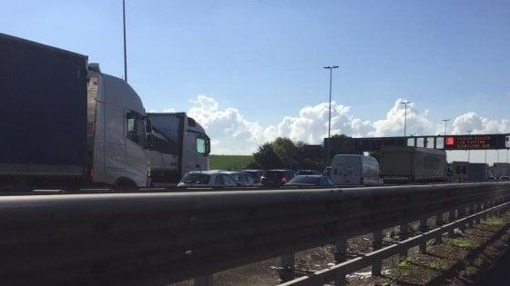 Roma, la Formula E mette in ginocchio il traffico. Chiuso tratto della Colombo, Roma sud paralizzata