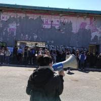 Roma, blitz dei movimenti per la casa alla Ex Fiera:
