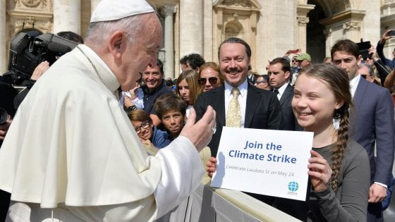 Risultati immagini per immagine del papa e clima