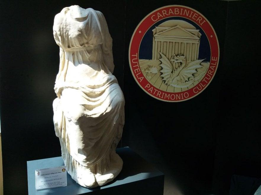 La Musa seduta, ecco la statua rubata a Roberto Benigni