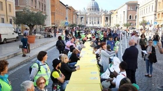 """Roma solidale, si presenta la """"Tavolata senza muri"""" a San Pietro"""