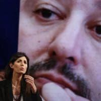 """Caso rifiuti Roma, Raggi: """"Salvini mi attacca per coprire Siri"""""""