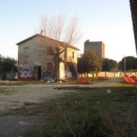 Roma, palazzi e cemento nel parco di Casa Calda a Torre Maura