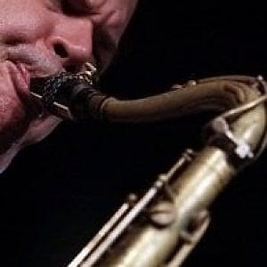 Fiumicino, rubati sassofoni da collezione: uno appartenuto a Sonny Rollins
