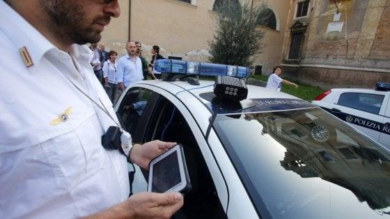 Sicurezza stradale, dall'inizio dell'anno effettuati 140mila controlli: 315mila le multe