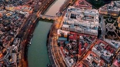 Instagram, la sindaca pubblica una panoramica per il Natale di Roma: ma lo scatto è