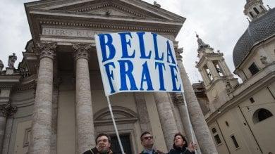 Roma, addio a Massimo Marino: i funerali del presentatore in piazza del Popolo