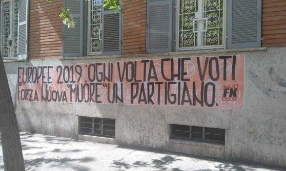 25 Aprile a Roma,  blitz Forza Nuova con bandiere Rsi in piazzale Clodio
