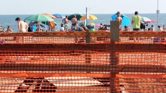 Ostia, il mare negato: le spiagge libere restano off limits