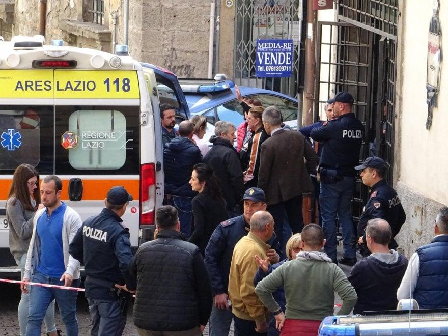Viterbo, commerciante ucciso nel suo negozio