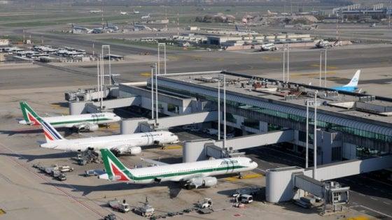 Riparato guasto a sistema informatico Alitalia a Fiumicino, traffico aereo torna verso la normalità