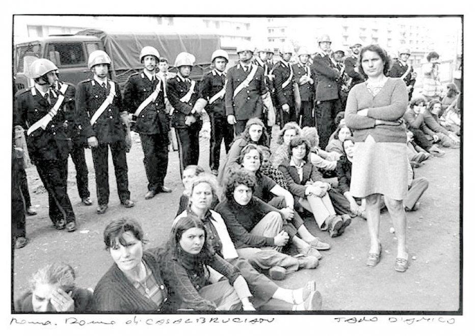Roma, Casal Bruciato anni '70: quando i baraccati eravamo noi nelle foto storiche di Tano D'Amico