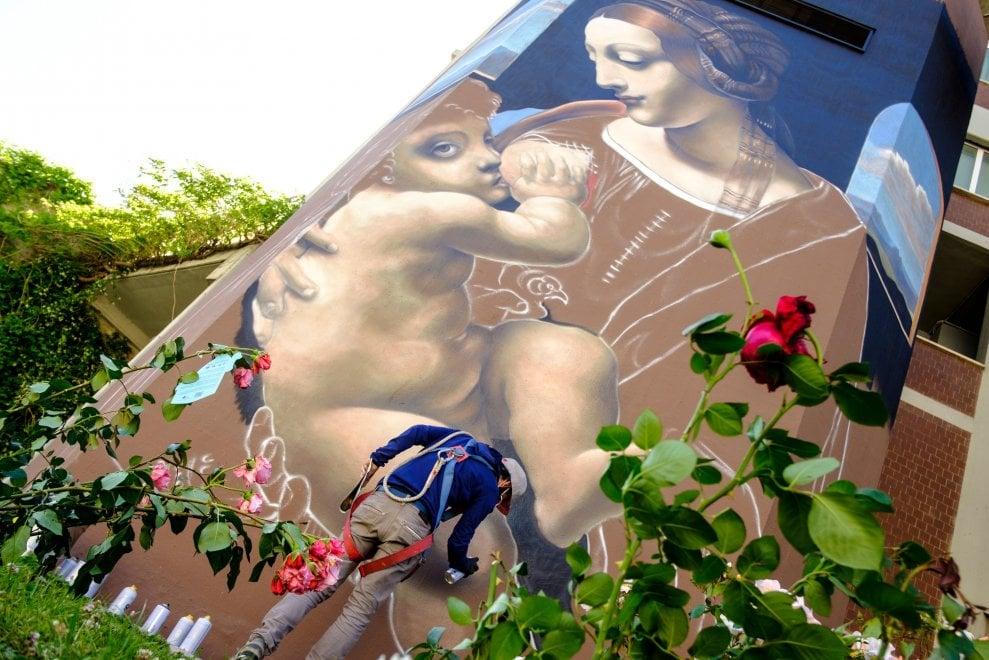 La Madonna Litta di Leonardo diventa murale al Gemelli di Roma