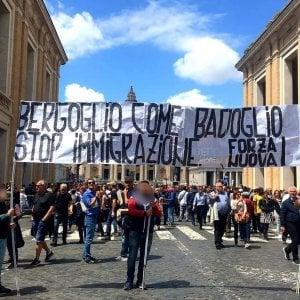 Forza Nuova, blitz in via della Conciliazione: esposto striscione contro il Papa