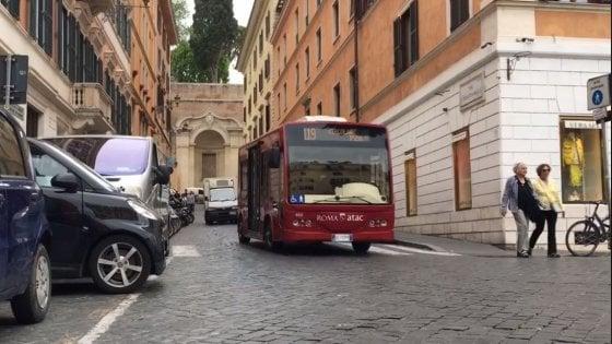 Roma, tornano  in strada i minibus elettrici della linea 119
