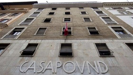 """Nella sede di Roma di CasaPound l'elettricità c'è ma non si paga: """"Debito da 330 mila euro"""""""