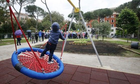 Roma, dopo sei anni riaprono i giardini di villa Massimo
