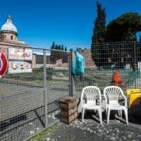 Roma,  dalle buche ai giardini i volontari per forza