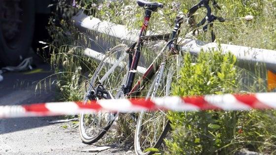 Roma, ciclista investito e ucciso da camion in via Tiburtina