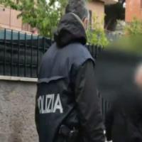 Roma, spacca la testa a un clochard con l'estintore, arrestata guardia giurata