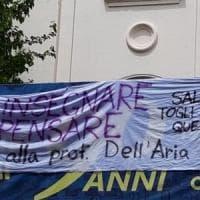 Prof sospesa, solidarietà anche dal liceo Cavour: