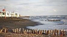 Ostia, mare d'inverno  a fine maggio  foto