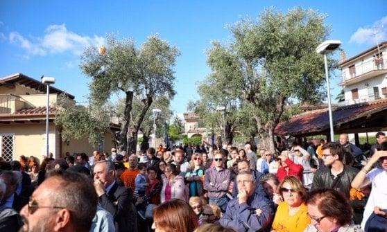 """""""Qui c'era una villa dei Casamonica, ora è uno spazio pubblico"""": Zingaretti e don Ciotti aprono il Parco Legalità"""