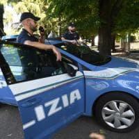 Albano Laziale, ubriaco e drogato strattona una bambina per strada e tenta di portarla via: arrestato