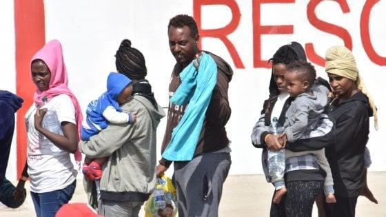 """Migranti, lettera dei vescovi del Lazio: """"Ogni povero è figlio di Dio, no intolleranza e razzismo"""""""
