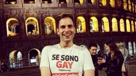 """""""Te ne devi annà, brutto fr... """", l'insulto omofobo alla fermata del bus a Roma"""