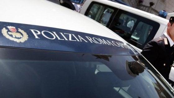 """Si scontra con un cavallo, motociclista muore sulla via Ostiense. """"Tragedia annunciata"""""""