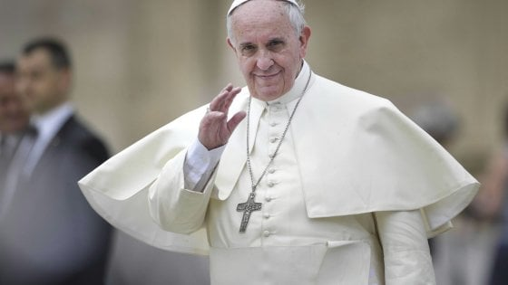 Corpus Domini, papa Francesco visita il quartiere di di Casal Bertone a Roma
