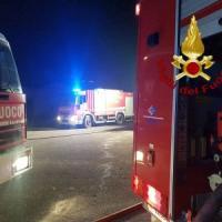 Fiumicino, esplode barca in una rimessa: tre ustionati