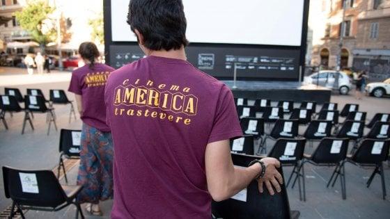 Roma, presi a botte perché indossavano la maglietta del Cinema America: identificati 4 aggressori
