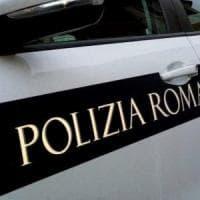 Roma, auto contro moto: grave il motociclista